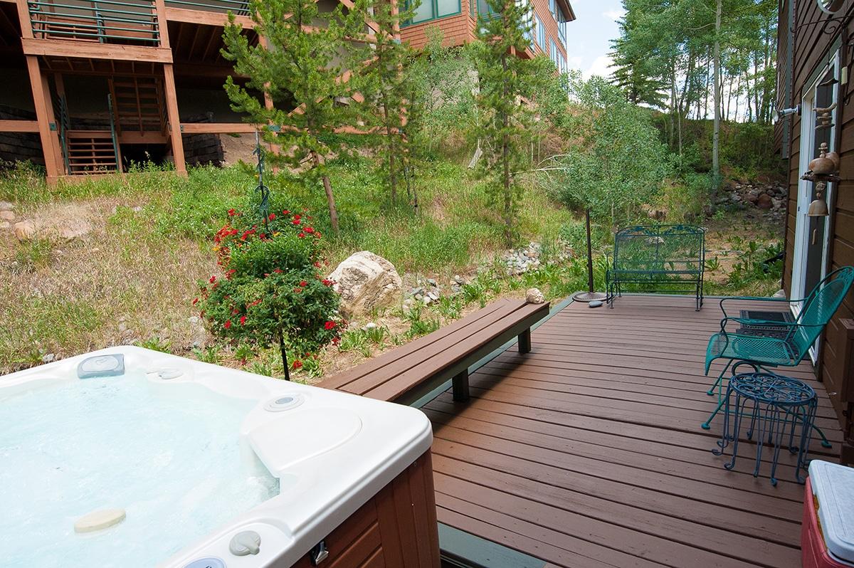 Deck & Hot Tub - 75 Salt Lick Place