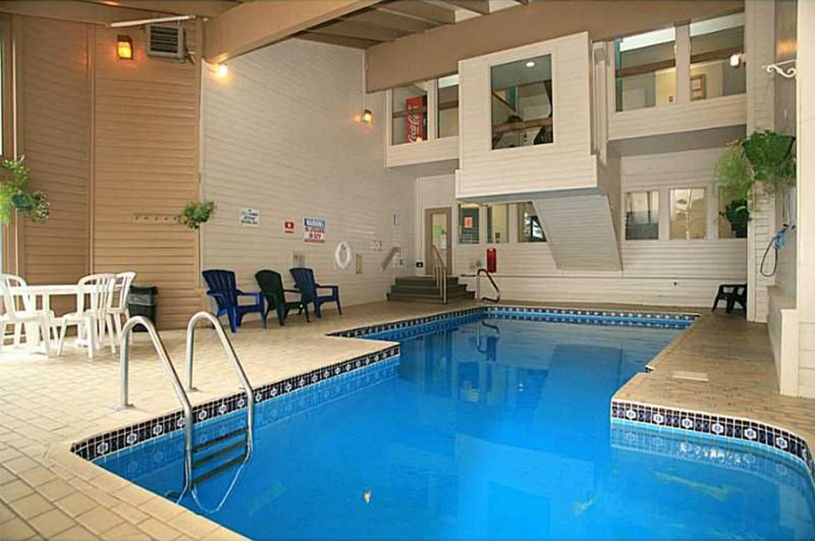 Pool in CC-DD Building Clubhouse