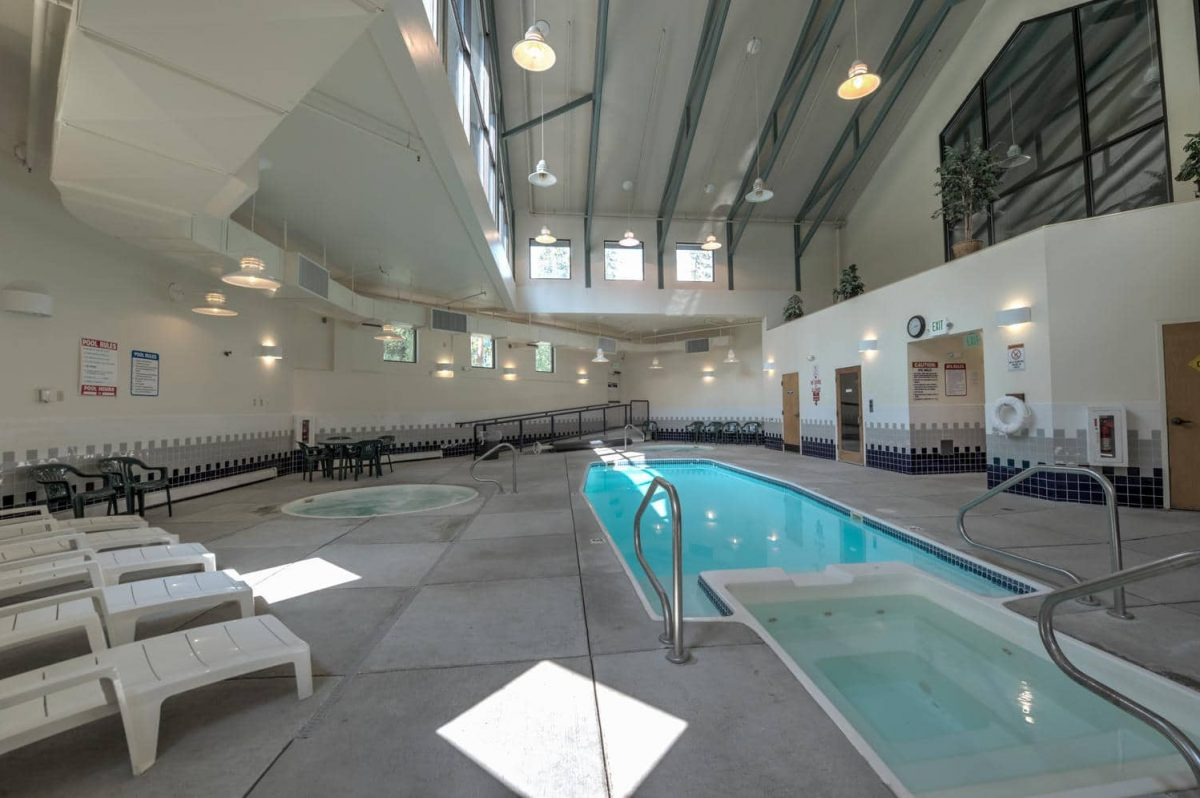 Pool & Hot Tubs in Treehouse Guest Clubhouse