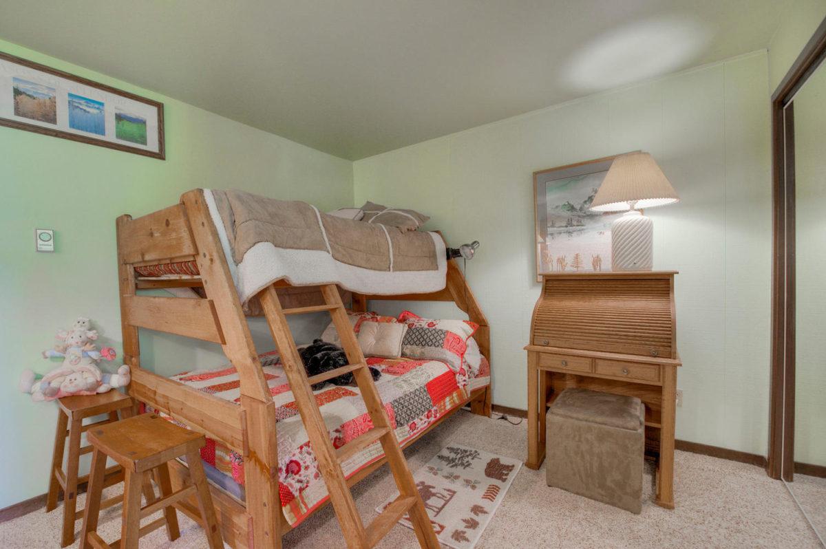 Second Bedroom - Wild Irishman 1078