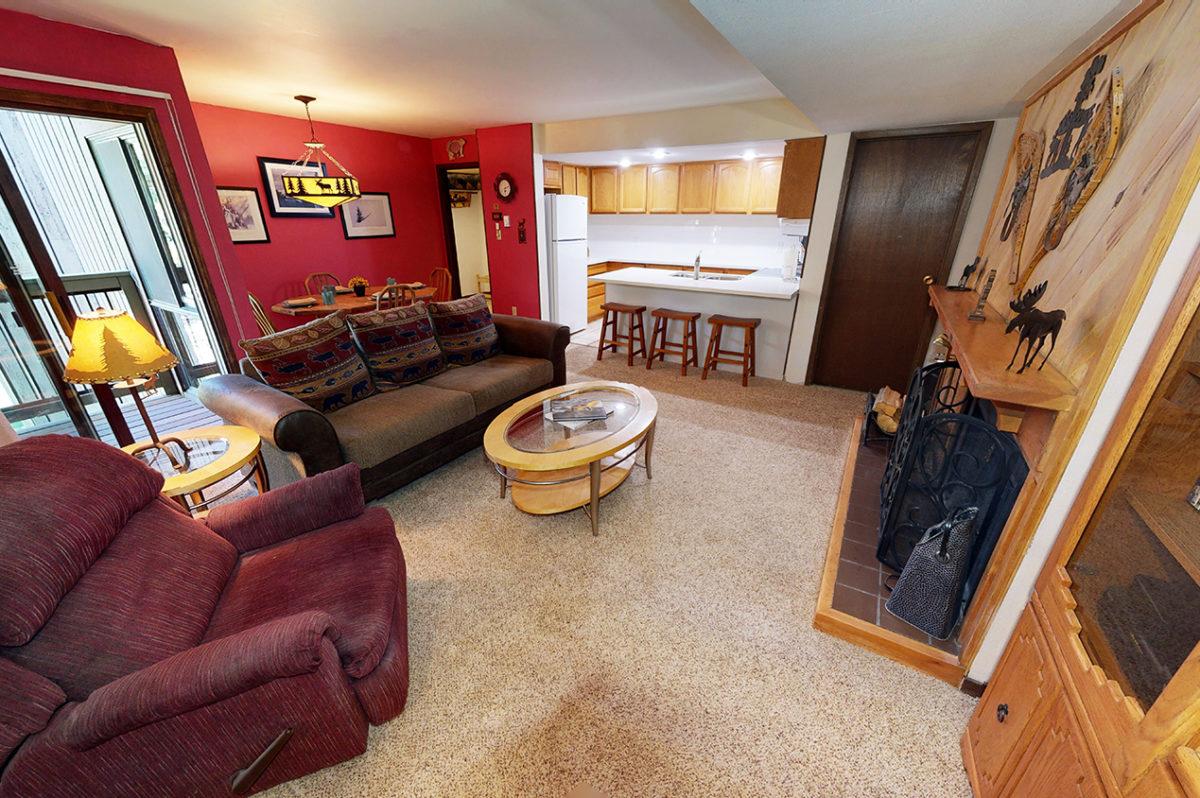 Living Room - Wild Irishman 1078