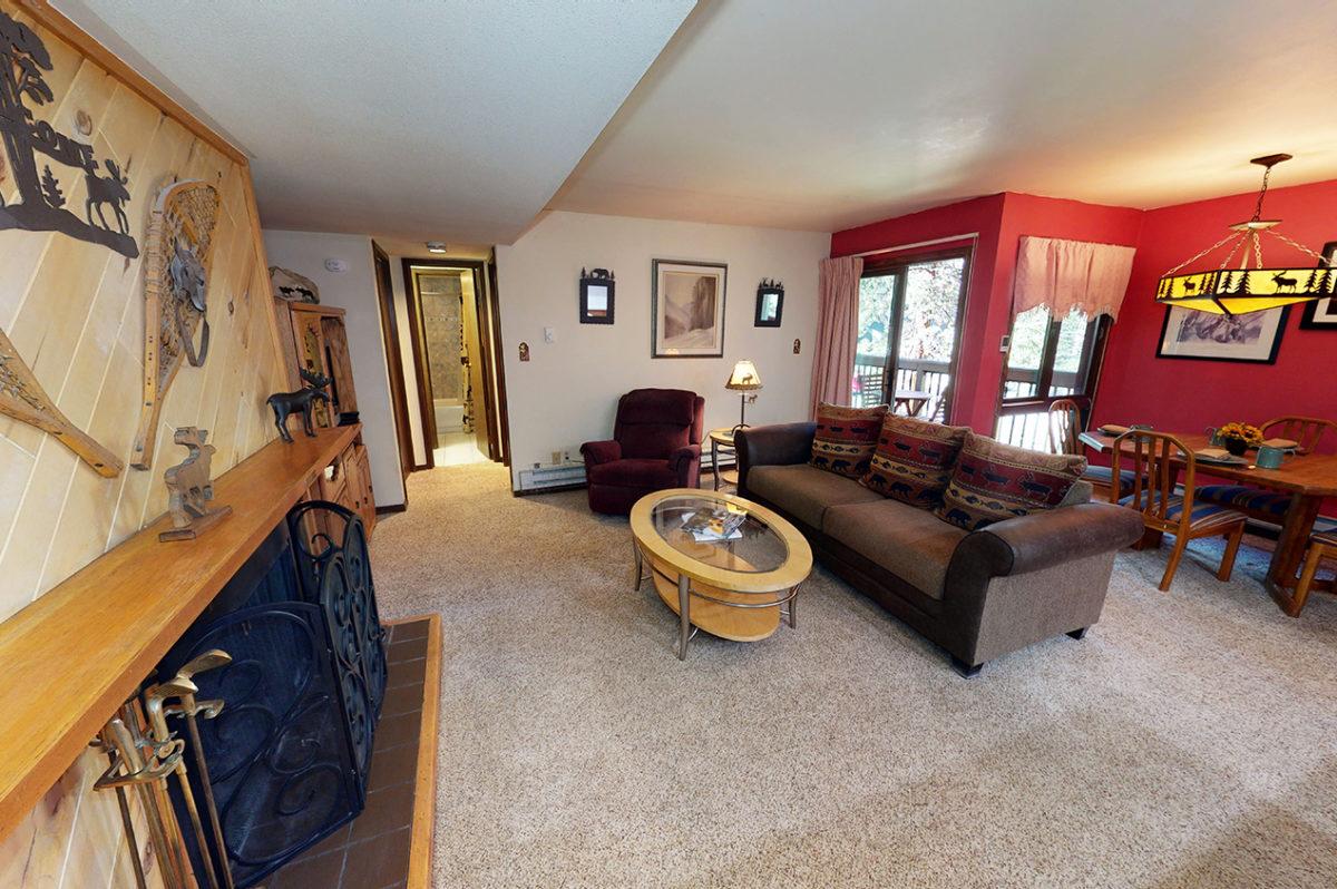 Living Room and Fireplace - Wild Irishman 1078