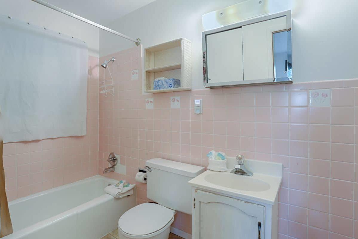 Master Bathroom - 809 Palmers Drive